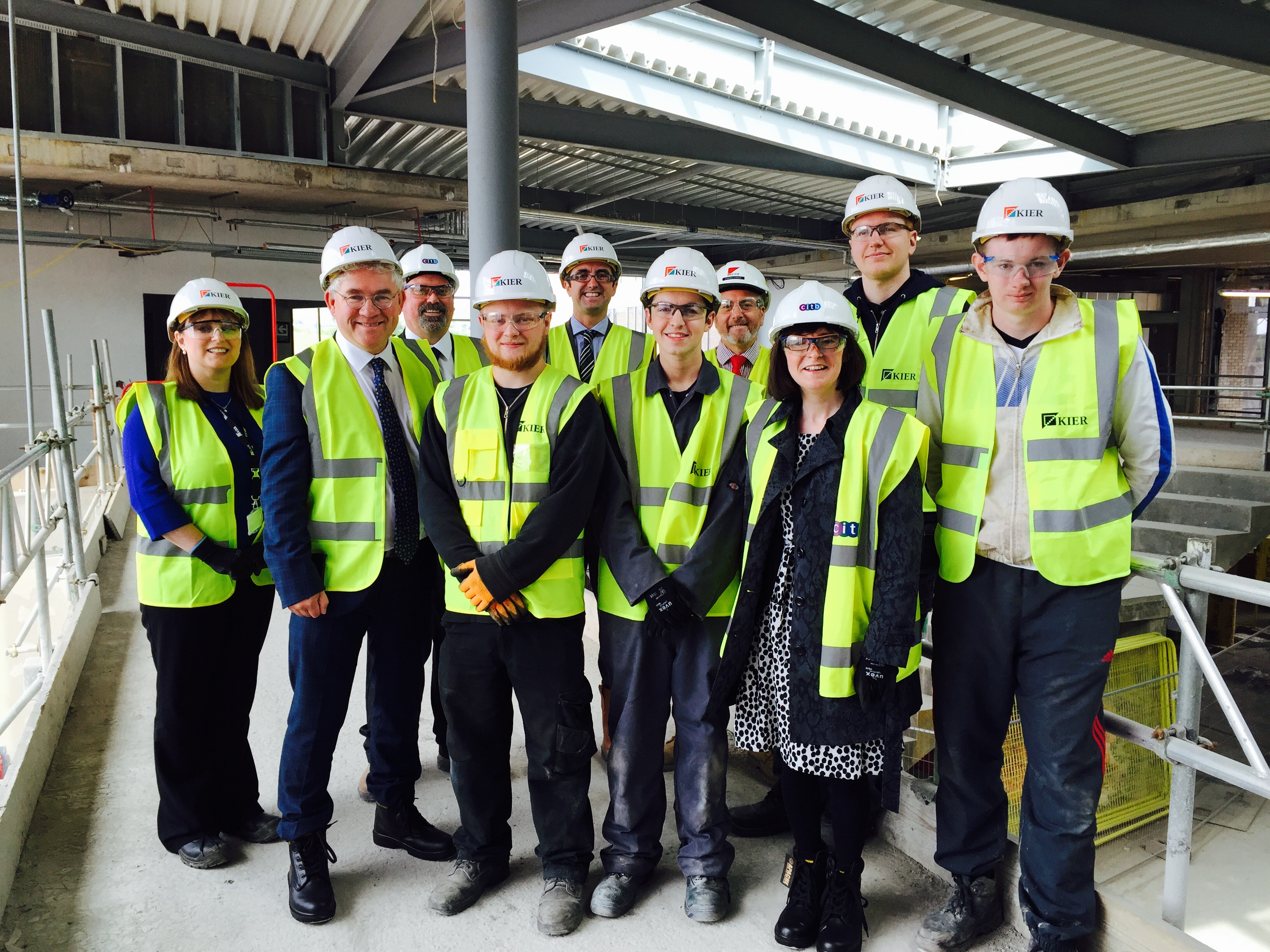 Patricia Gibson MP and Kenneth Gibson MSP meet Kier Group apprentices