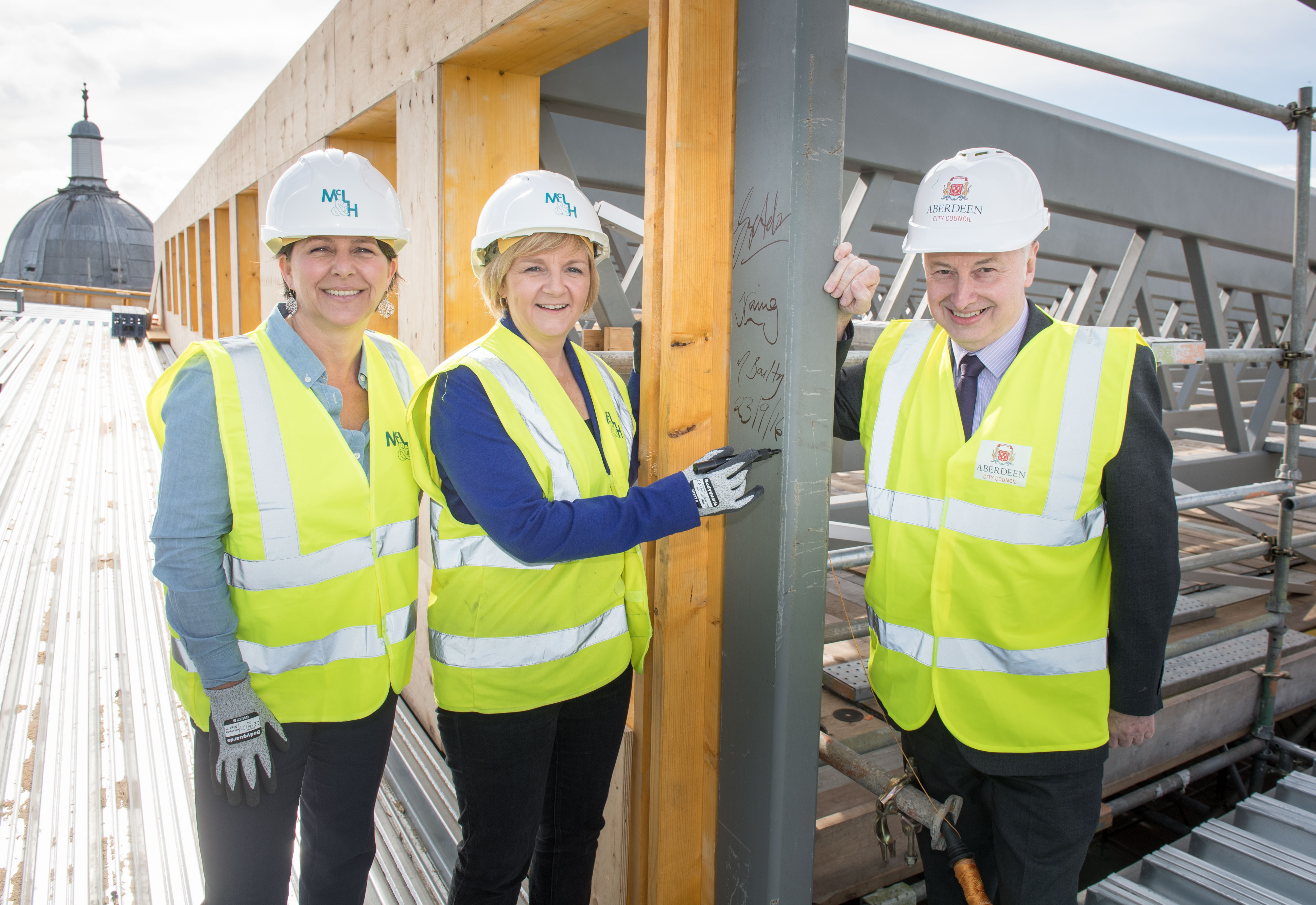 Aberdeen, Friday 23rd September 2016 Topping Out Ceremony to mark milestone in the redevelopment of Aberdeen Art Gallery Pictured is Deputy Council Leader Marie Boulton,   Council Leader Jenny Laing, Lord Provost of Aberdeen George Adam,  Picture by Michal Wachucik / Abermedia